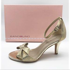 🆕 Gold Sandals heel size 7.5 M Bandolino